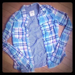 Hollister Tops - Long sleeve plaid hollister button up shirt